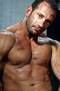 male muscle gay porn star Mike Grant | hotmusclefucker.com