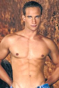 male muscle gay porn star Daniel Kriley | hotmusclefucker.com
