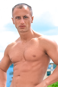 male muscle gay porn star Mihal Laszlo | hotmusclefucker.com
