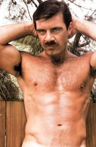 male muscle gay porn star Glenn Steers | hotmusclefucker.com