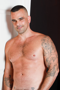male muscle gay porn star Damien Crosse | hotmusclefucker.com