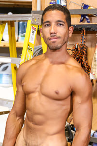 male muscle gay porn star Mike Maverick | hotmusclefucker.com