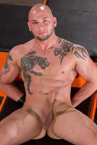 male muscle gay porn star Brayden Allen | hotmusclefucker.com