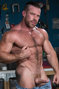 male muscle gay porn star Liam Knox | hotmusclefucker.com