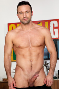 male muscle gay porn star Colby Tucker | hotmusclefucker.com