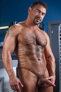 male muscle gay porn star Draven Navarro | hotmusclefucker.com