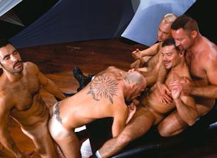 Lance Gear & Sky Donovan & Tom Vacarro & Peter Raeg & Luke Bronson in SeXus | hotmusclefucker.com