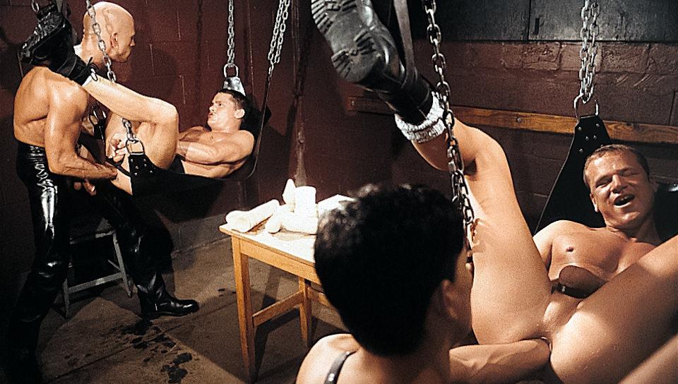 Sting – un gusto per Cuoio, Scene # 01 – Addison Scott, Christopher Scott, Jeff Palmer, Thom Barron (fistingcentral)
