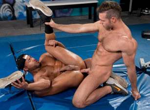 - Alex Mecum & Micah Brandt - Hot Muscle Fucker
