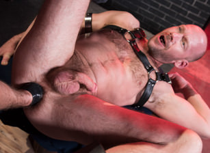 gay muscle porn clip: Fistin Alley - Mike Tanner & Pierce Paris, on hotmusclefucker.com