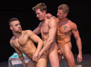 gay muscle porn clip: Vice - Beaux Banks & Jack Hunter & Sean Maygers, on hotmusclefucker.com