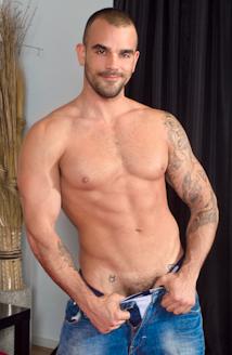 Damien Crosse Picture