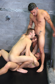 Wet Threeway Picture